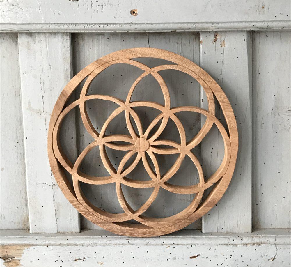 Woodcarving mandela bloem